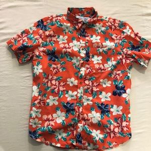 Casual short sleeve button up